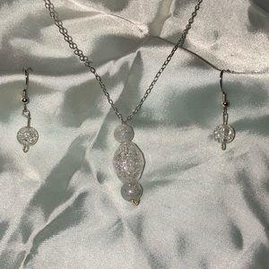 🆕Crystal pendant on silver chain w earrings NEW